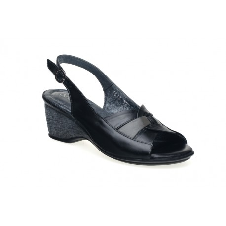 Skórzane sandały koturny