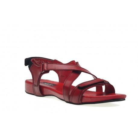 Sportowe czerwone skórzane sandałki