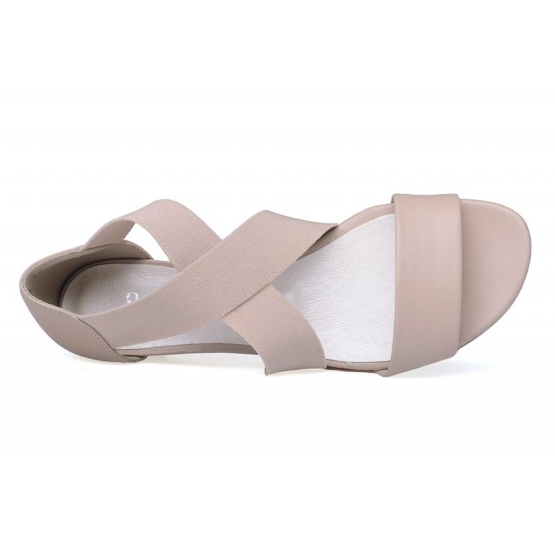 sandały na obcasie z gumka