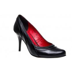 Czarne szpilki z czerwoną podeszwą